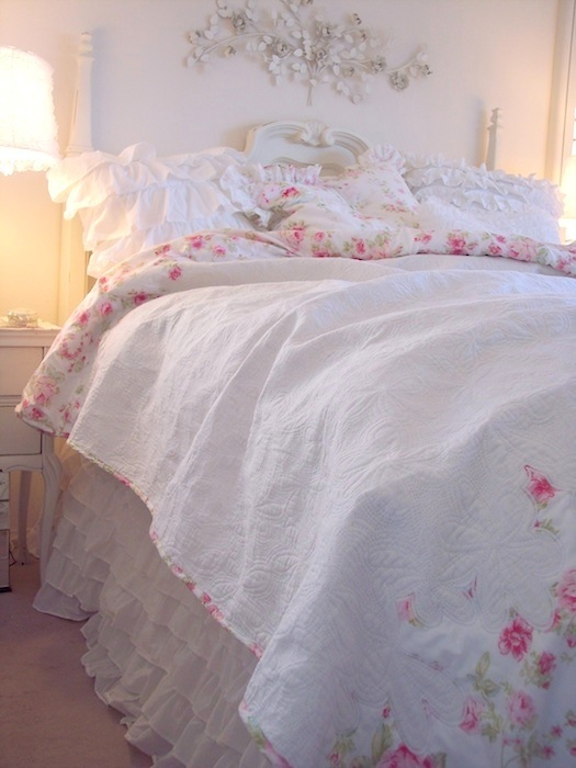 Summers Cottage Pink Peony Vintage Roses White Matelasse