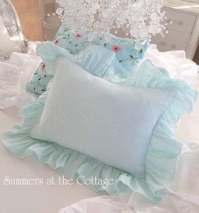 Bella Notte Caribbean Roses Pillow