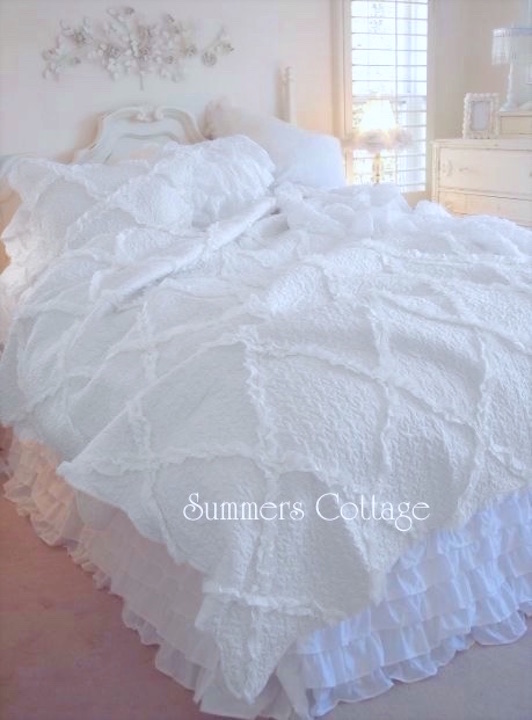 White Diamond Ruffle Throw Quilt