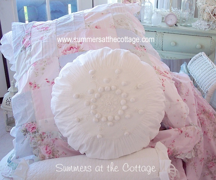 RACHEL ASHWELL SHABBY CHIC FRENCH KNOT WHITE POM POM ROUND PILLOW