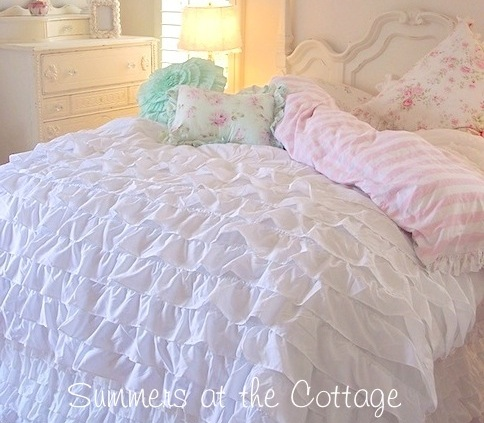 White Ruffled Duvet Set