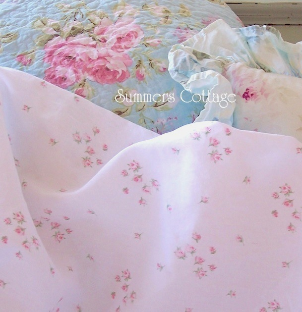 Petite Bouquet Pink Roses Sheet Set