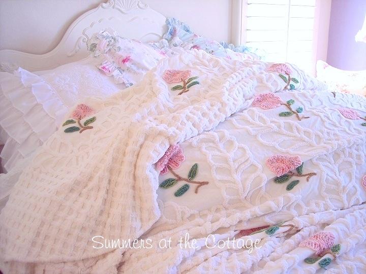 Pink Roses Vintage Chenille Bedspread Fringe Edge