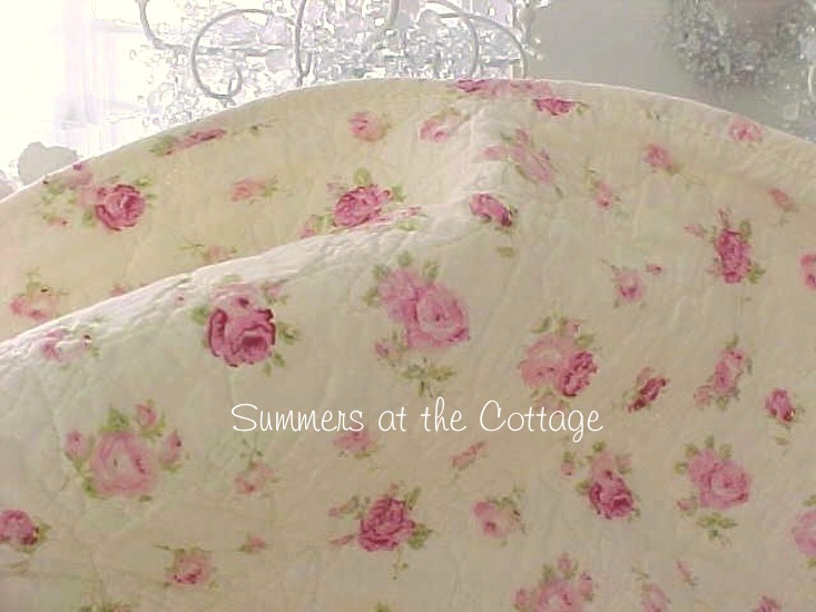 Pink Wine Roses on Soft Yellow Quilt Set