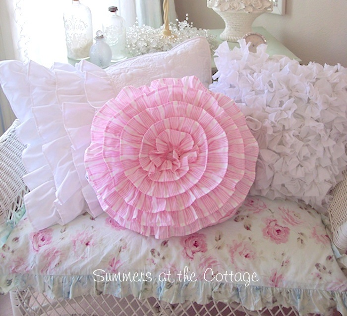 Round Pink Ruffle Daisy Dot Pillow