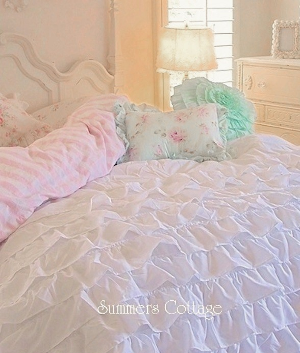 White Ruffled Comforter Set