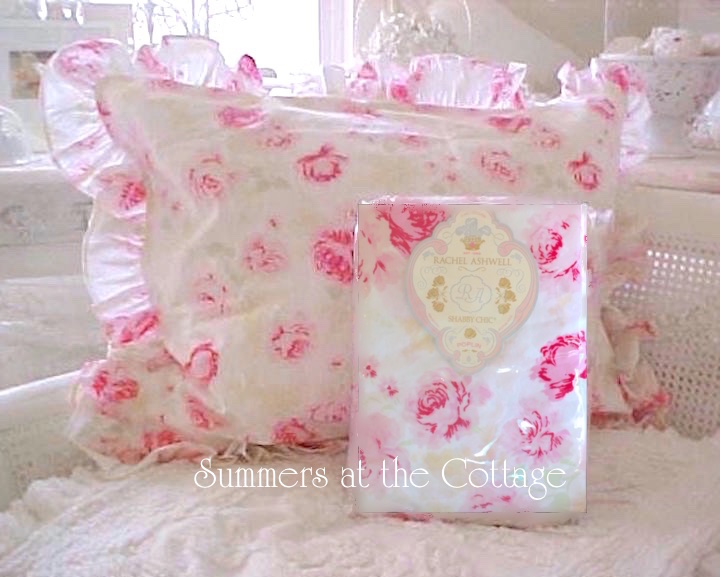 Summer Bedding Pillows Cottage Living Romantic Home Chic Designer Accent Throw
