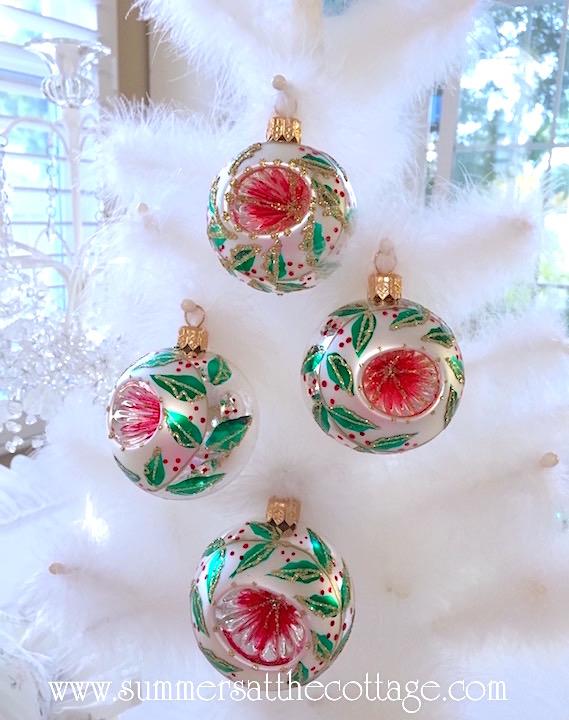 Holiday Inn Shiny Bright Ornaments