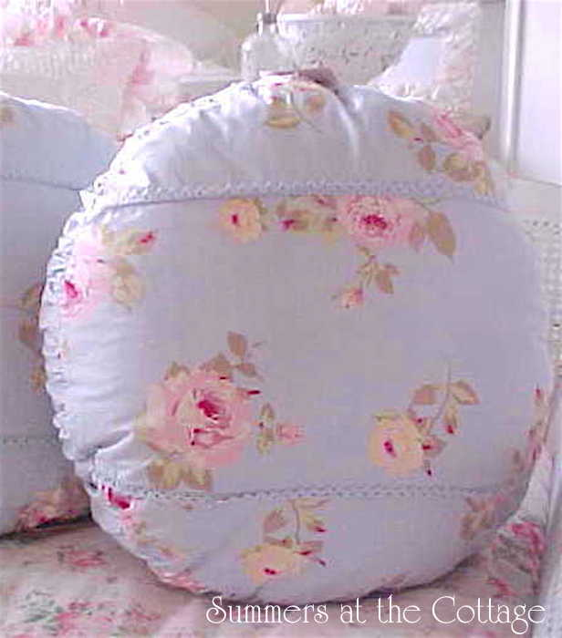 Rachel Ashwell Shabby Chic Treasures Pink Roses on Blue Pillow
