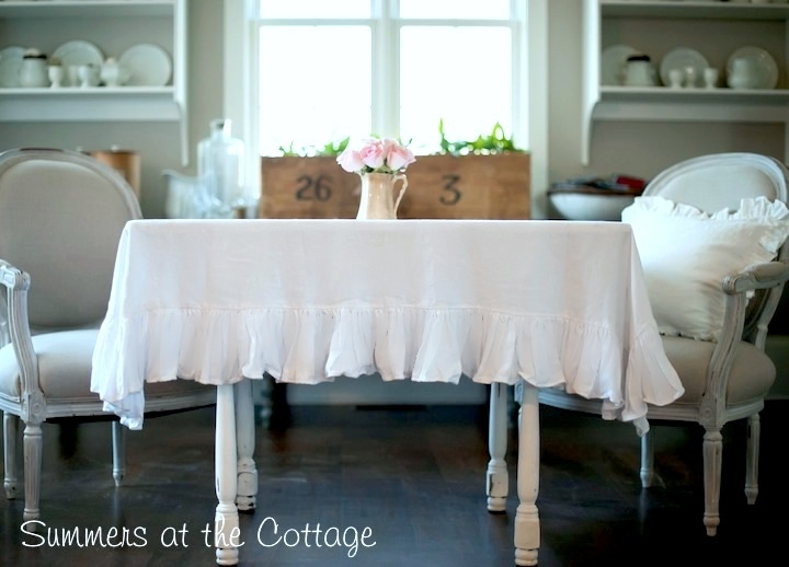 Cottage Ruffled Tablecloth