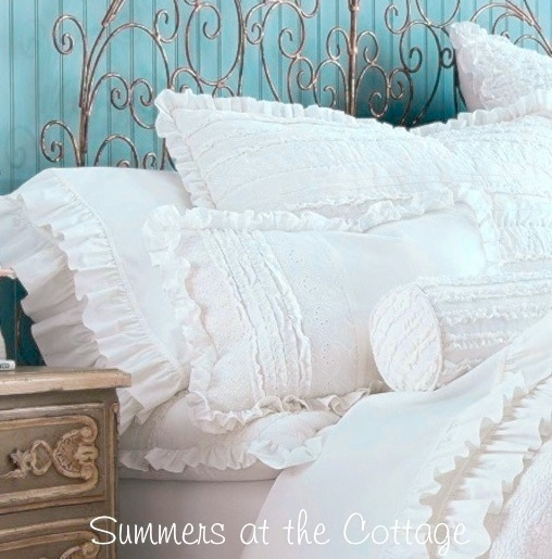 White ruffled sheet set