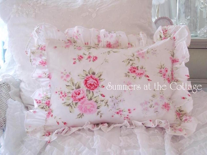 How To Make Shabby Chic Throw Pillows : SUMMER BEDDING PILLOWS COTTAGE LIVING ROMANTIC HOME CHIC DESIGNER ACCENT THROW DECORATIVE SOFA ...